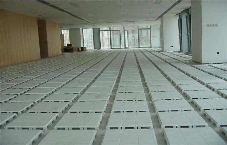 论友联工程塑料网络地板的优点